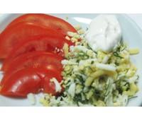 Салат из помидоров с сыром и яйцом 204.9 ккал 105 г.
